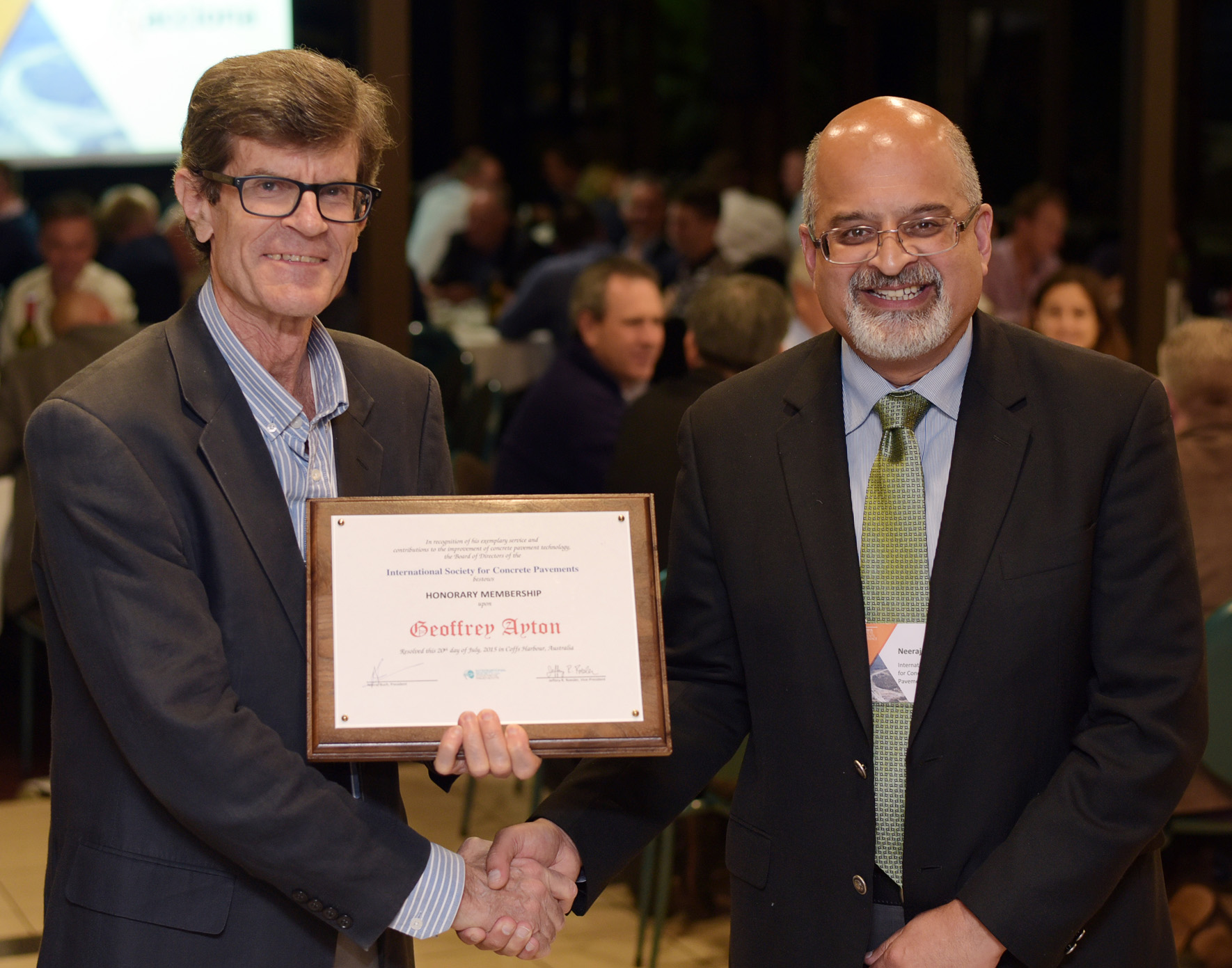 Geoff Ayton awarded by ISCP